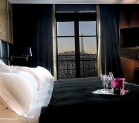 first-hotel-paris-tour-eiffel-1