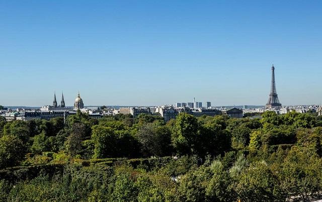 отель в самом центре Парижа, напротив Лувра и садов Тюильри с видом на Эйфелеву башню