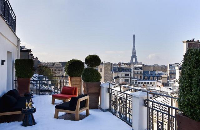 отель с видом на Эйфелеву башню в Париже