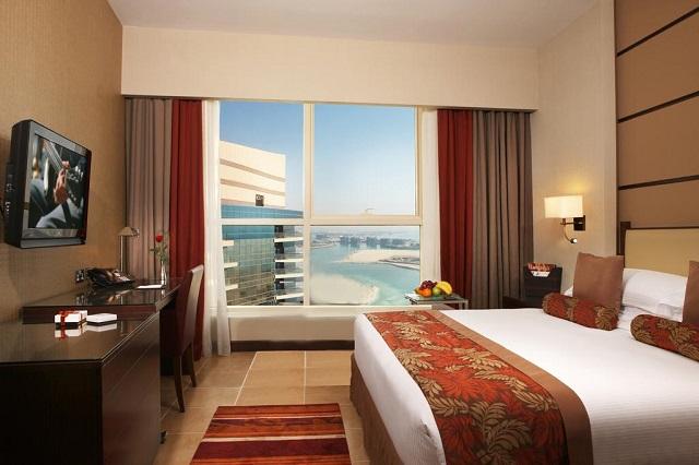 вид на Персидский залив из окна отеля в Абу-Даби