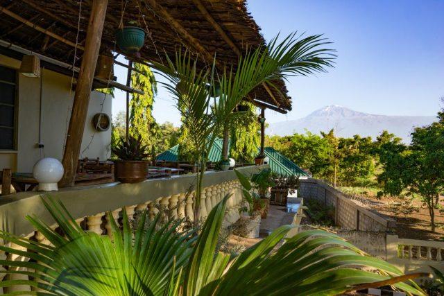 The-Secret-Garden-Hotel вид из отеля на горы
