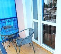 апартаменты с балконом  с видом на море