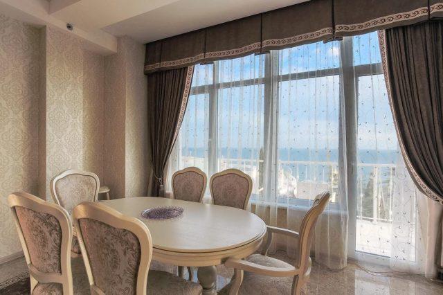 bristol-guest-house вид на море в Ялте из номера отеля