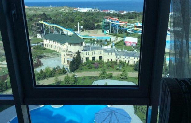 красивый вид на море с высоких этажей в спа-отеле