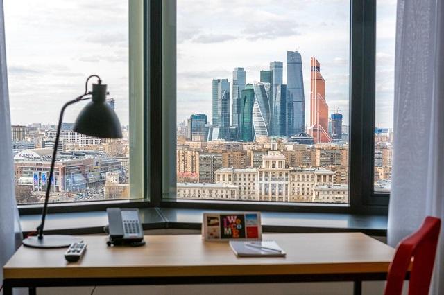 вид из отеля Азимут на комплекс Москва-Сити
