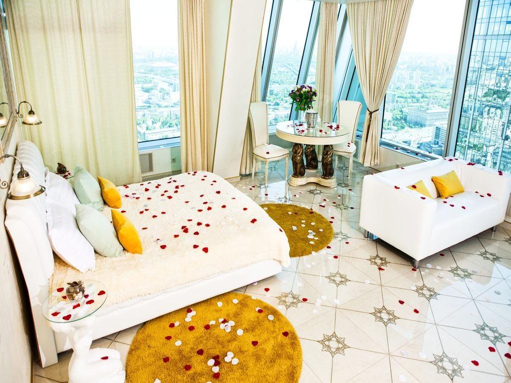 номер отеля с красивым видом из окна на Москву imperiya-siti1