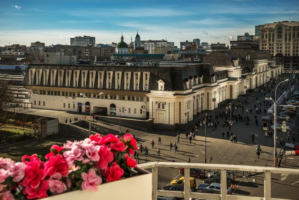 Великолепный вид из окна отеля на Москву otel-paveleckaya-ploshchad1