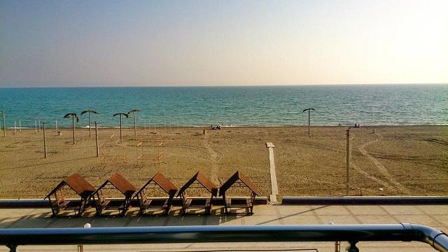 вид на море с балкона отеля в Крыму