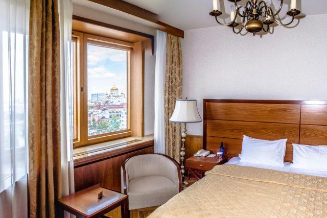 номер в отеле с красивым видом на Москву
