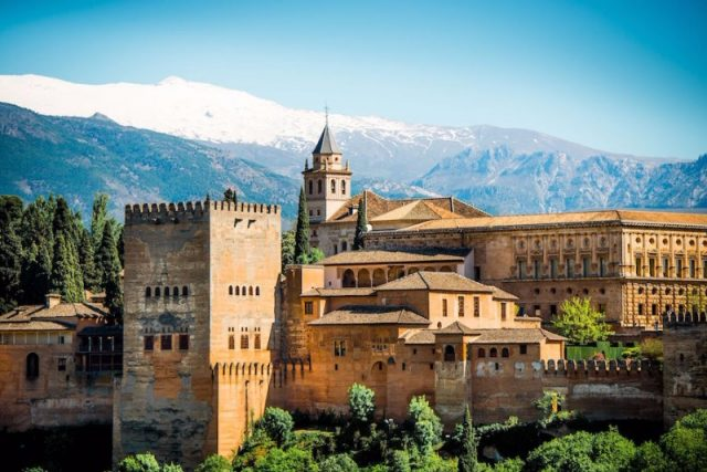 Альгамбра Гранада комплекс дворцов и парков
