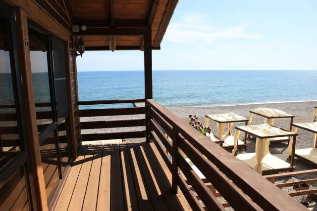 красивый вид из отеля на море
