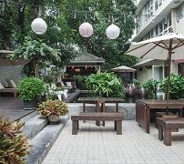 feung-nakorn-balcony-rooms-and-cafe-1