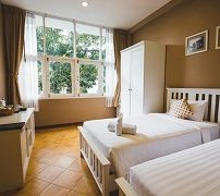 feung-nakorn-balcony-rooms-and-cafe-4