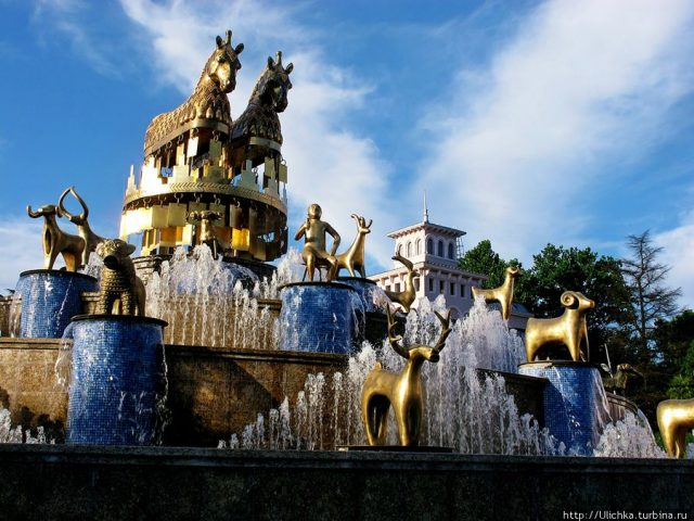 Колхидский фонтан в Кутаиси