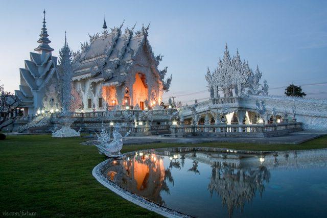 Храм ват Ронг Кхун в Таиланде