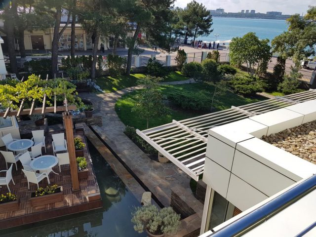 вид на море из отеля в Геленджике