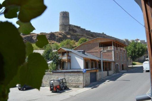 гостевой дом в Грузии с видом на крепость Рабат