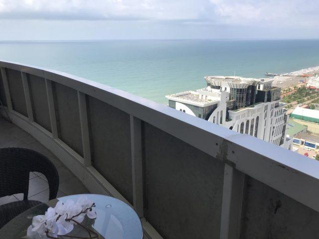 Апартаменты с видом на море в Батуми