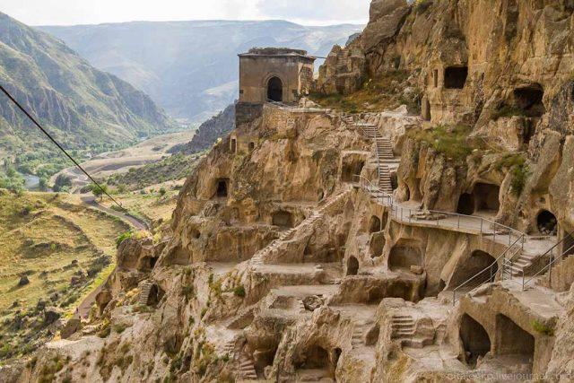 пещеры в регионе Самцхе-Джавахети