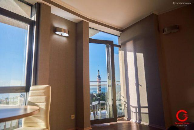 Апартаменты в Батуми с французскими окнами и видом на море