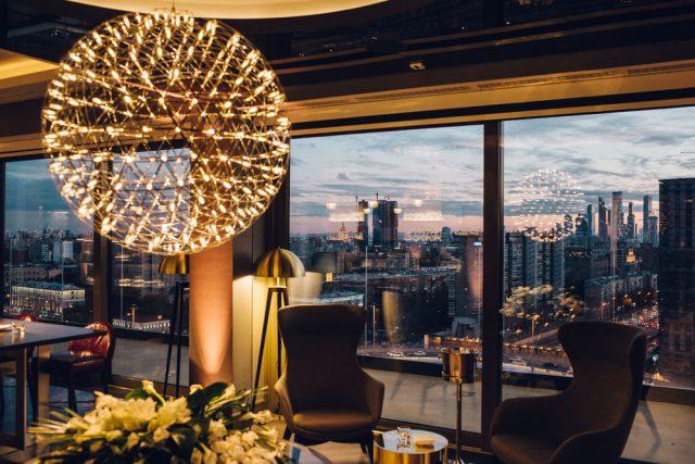 панорамный вид на Москву из ресторана отеля