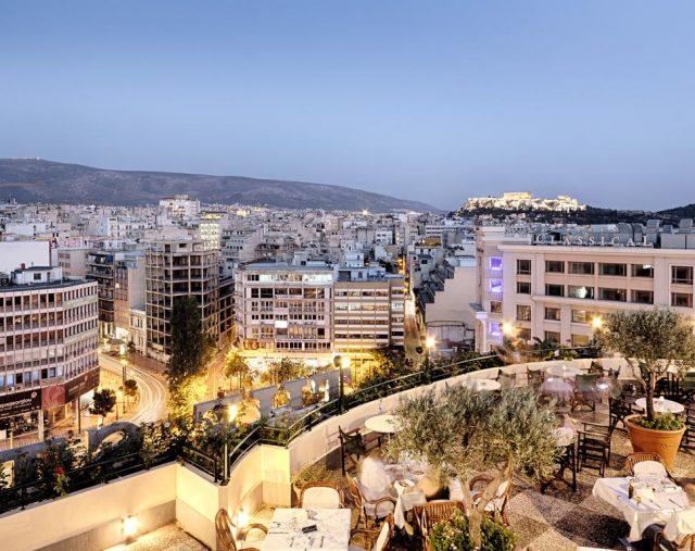 красивый вид на Афины и достопримечательности