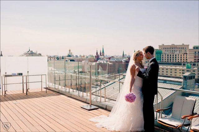 свадьба в шикарных номерах для новобрачных в отеле шикарный номер для новобрачных в отеле Москвы Арарат Парк Хаятт в Москве