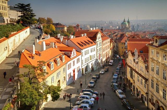 вид на Прагу из окна отеля
