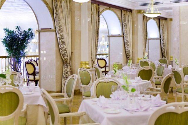 шикарный банкетный зал для проведения праздничных мероприятий в Москве