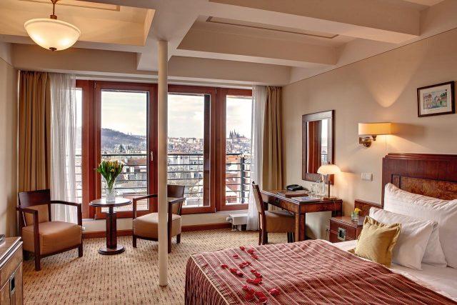 красивый вид на Прагу из отеля Majestic Plaza