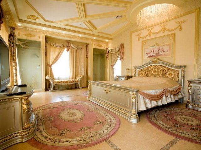 номер для новобрачных в гостинице Москвы