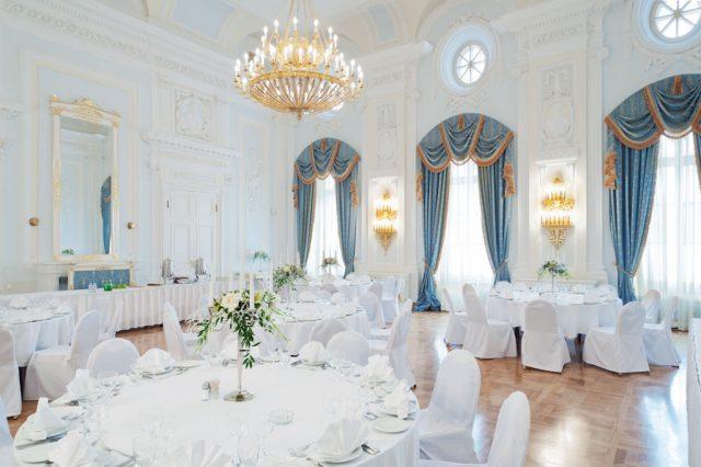 шикарный банкетный зал в отеле Москвы для проведения праздничных мероприятий