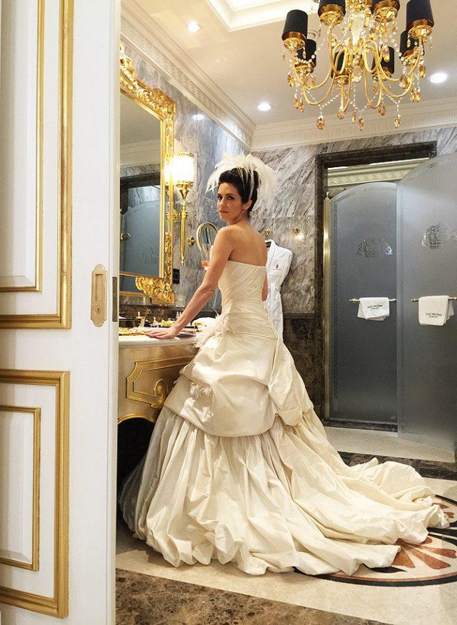 шикарный номер для новобрачных в отеле St. Regis Москва Никольская