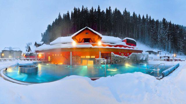 зимний отдых на горнолыжном курорте с термальными источниками