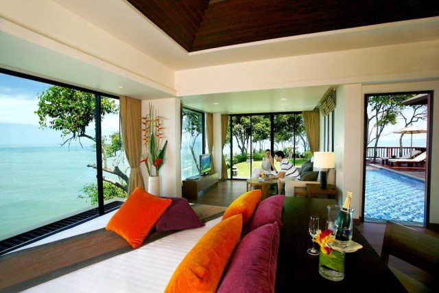 отели и бунгало с панорамным видом на море и пляж на острове Ко Ланта Таиланд