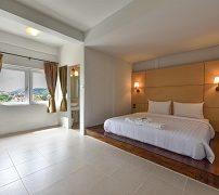 hotel-october-3