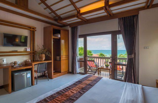 бунгало с красивым видом на море на острове Ко Ланта Таиланд