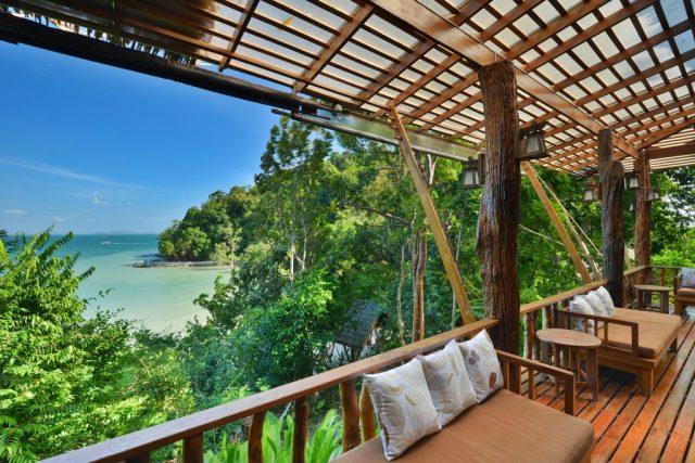отели Resort в Краби Таиланд с балконом и видом на море и пляж