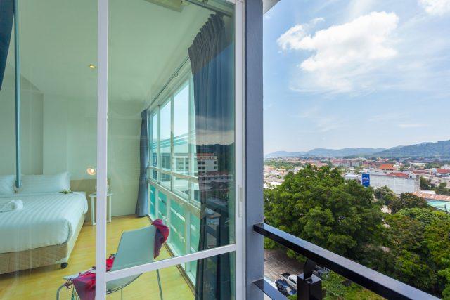 отель Rang Hill Residence в Пхукете с красивым видом из окна
