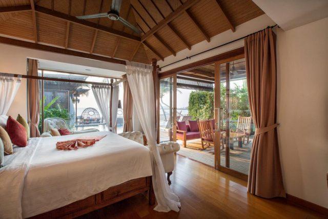 отели Самуи с красивым видом на море через панорамное окно
