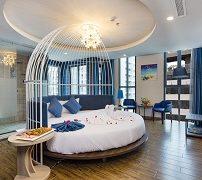 aaron-hotel-1