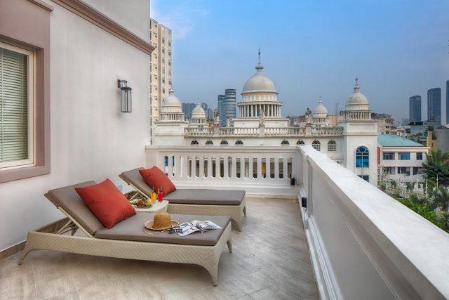 красивый вид на достопримечательности Хошемина с балкона отеля