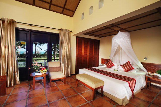 отель в Муйне с красивым видом на море