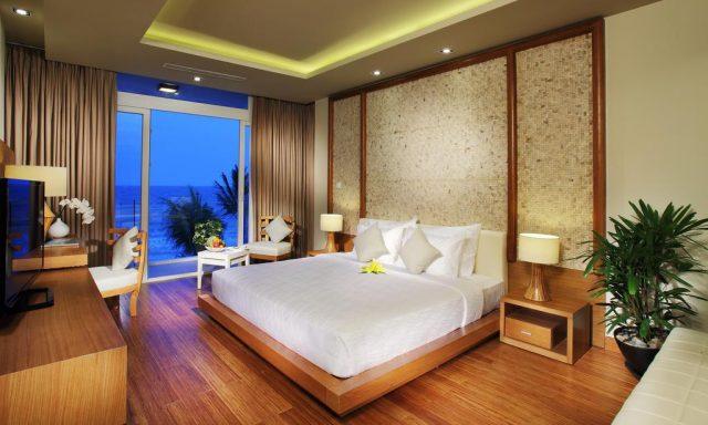 отель в Муйне с красивым видом на море через большие окна в пол