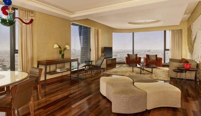 панорамный вид на Хошемин из номера отеля