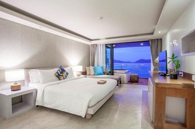 Отель Пхукета с ванной с видом на море