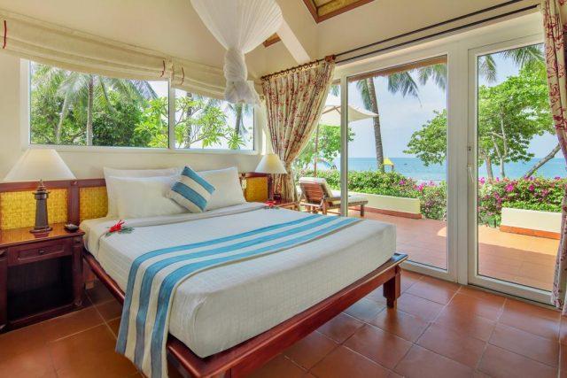 отель в Муйне с панорамными окнами и красивым видом на море и пляж