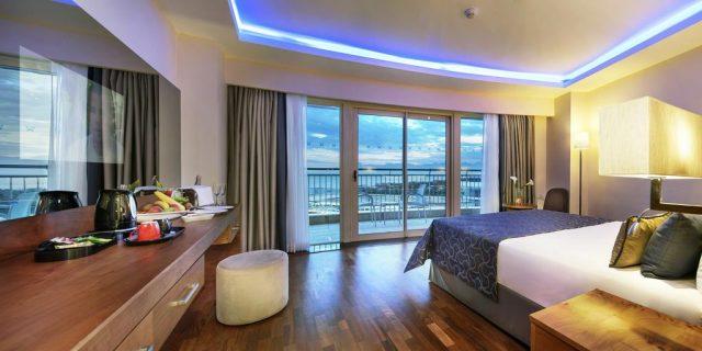 Liberty Hotels Lara - балкон с видом на море