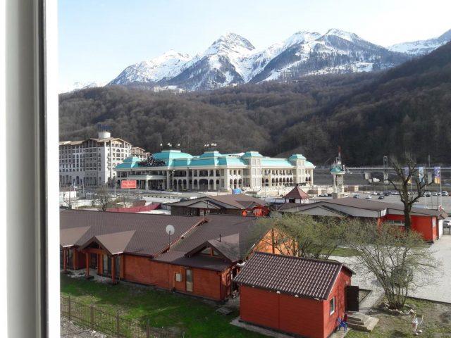 апартаменты в поселке Эсто-САдок с красивым видом на горы