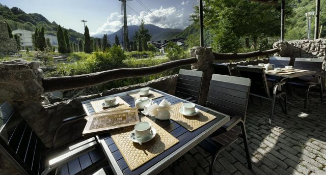 отель в Сочи с красивым видом на горы